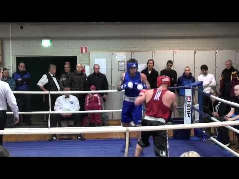 Roope Mäkelä, Lahden Laaki (pun) vs Arttu Nyman, GB Gym (sin)