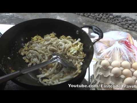 stir fried noodle with eggs  Hunan province street food