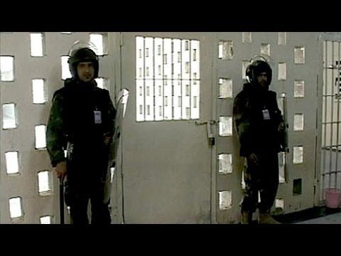 Al-Qaeda behind Iraq jail breaks freeing 500 prisoners