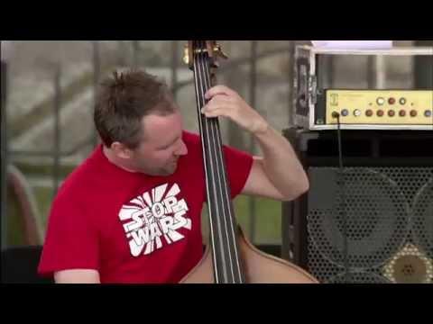 The Bad Plus - This Guy's In Love With You - 8/13/2006 - Newport Jazz Festival (Official)