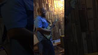 Guitar Model Deluxe  Marco Castillo Artist Panamá