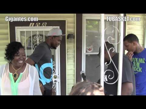 ¿Dónde empezó a jugar Kevin Durant? ¿Cómo es su barrio? Imágenes de la emocionada madre