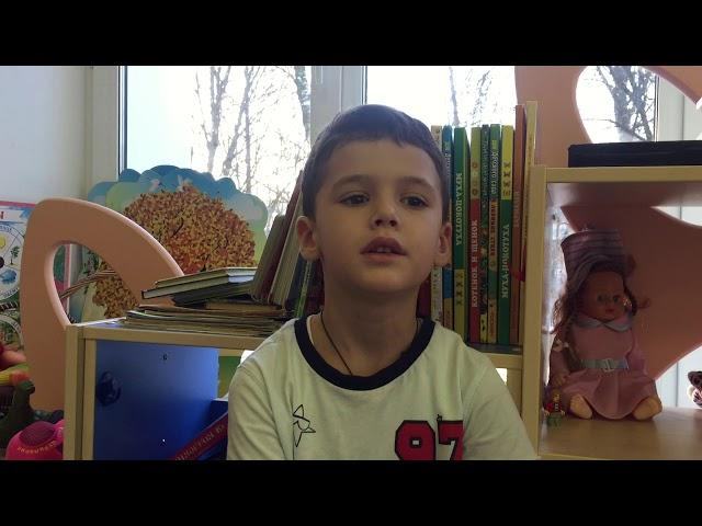 Изображение предпросмотра прочтения – ВячеславБеспалов читает произведение «А как нам добрые слова нужны» М.С.Лисянского