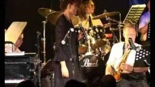 AVIA TERI AND THE HED BIG BAND (WORLD MUSIC 2)