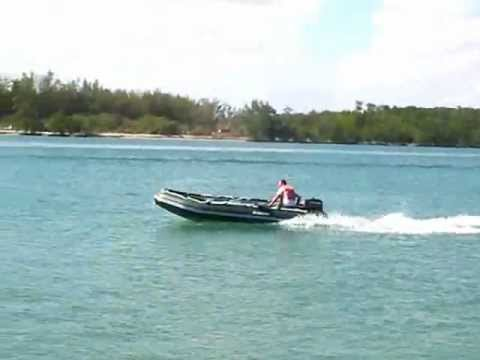 Saturn 16 39 inflatable motor boat in green color for Green boat and motor