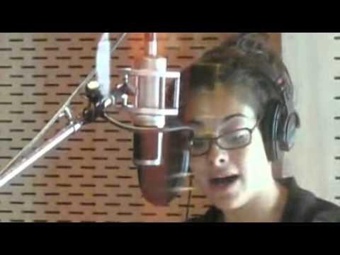 Aretha Franklin  sings \