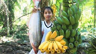 Yummy cooking big fish with banana recipe - Cooking skill