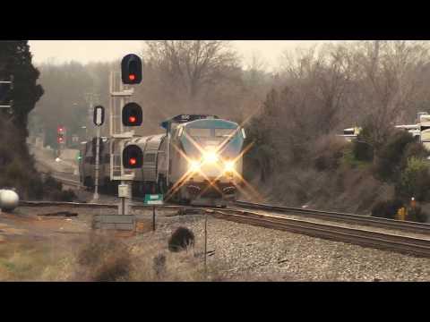 Amtrak Train Wobbles Hard On Crooked Track - Manassas, VA   Auto Train   Railfan Rowan
