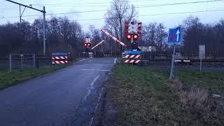 Spoorwegovergang Peperga/ Dutch railroad crossing
