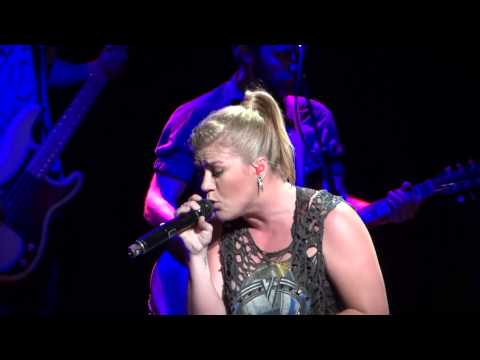 Kelly Clarkson covers Justin Timberlake's Cry Me a River - 9/1/12
