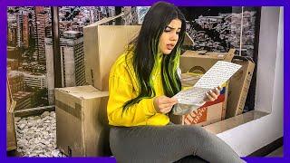 Mariana lee la carta de Yolo...