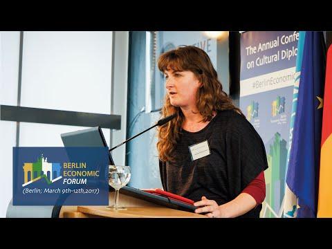 Aurélie Debusschère (CEO, Native Immersion)