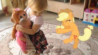 Алиса и Май Литл Пони My little pony , кормим кошку Масю