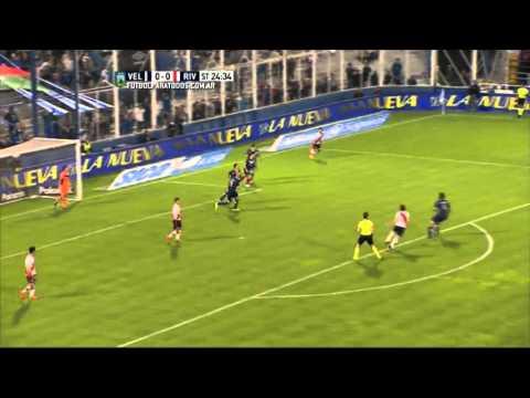 Las redes ardieron por este gol que se perdió Saviola