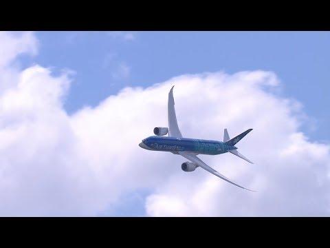 Démonstration en vol du Boeing 787-9 Dreamliner