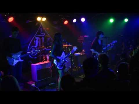 Dum Dum Girls -  Bedroom Eyes.Live @ AnClub (15-12-2013) in Athens.