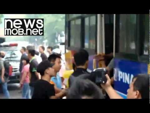 Vietnam - Police clear anti-China protesters