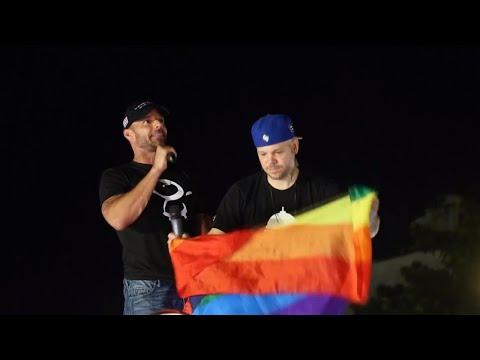 Residente René Pérez, Bad Bunny y Ricky Martin se unen a la marcha en Puerto Rico