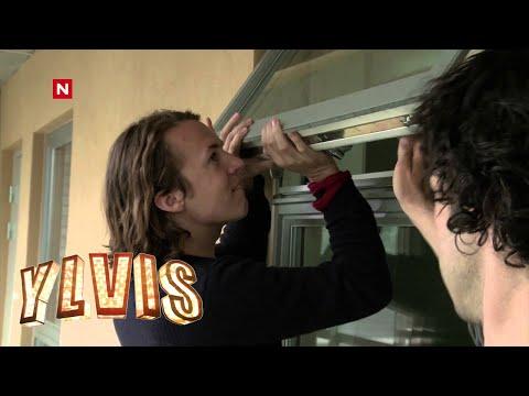 Ylvis - Plager Charter-Svein: Vekking [English subtitles]