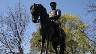 Маршал Победы: в Москве открыт памятник Рокоссовскому