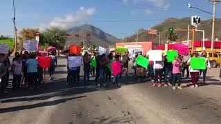Cierran manifestantes Libramiento Naciones Unidas