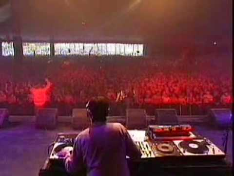 Audio Bullys - Live@Pinkpop Festival 2004-MAINSTAGE-Part.2