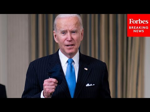 Biden announces executive order while commemorating Bloody Sunday - Forbes Breaking News