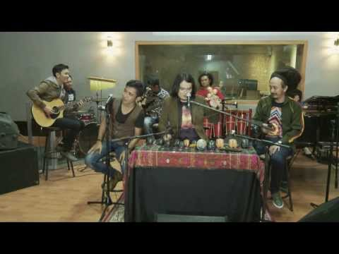 Viky Sianipar inc.  Pulo Samosir   Viky Sianipar feat. Alsant and Ras Muhammad   TOBADREAM 4
