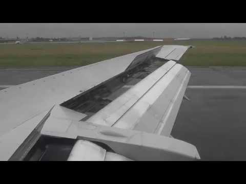 Blue Air YR-BAK Perfect Landing at Bucharest Airport