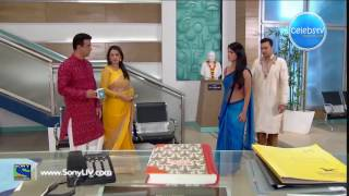Sayantani Ghosh Hot Navel Show in Transparent Saree