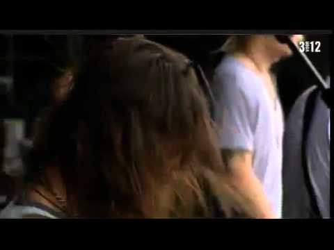 lifehouse-hanging-by-a-moment-pinkpop-2011-losinklings