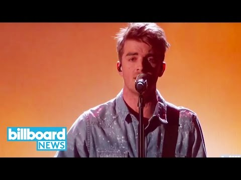 The Chainsmokers Deliver Acoustic Version of 'Young' at 2017 Billboard Music Awards | Billboard News
