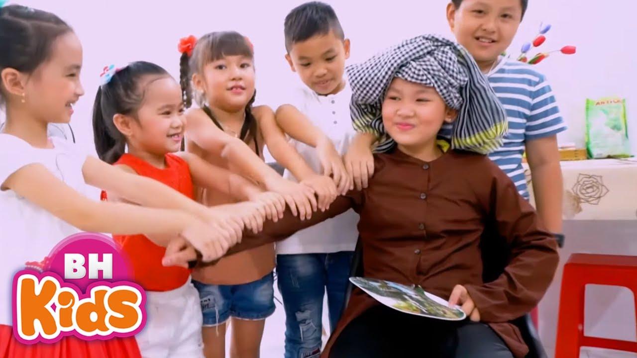 Download CẢ NHÀ THƯƠNG NHAU ♫ BÀ ƠI BÀ CHÁU YÊU BÀ LẮM ♫ Nhạc Thiếu Nhi Vui Nhộn Hay Nhất Cho Bé Ăn Ngon