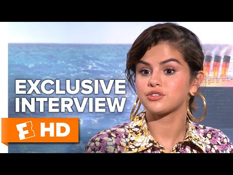 "Selena Gomez Thinks Her Speaking Voice Sounds ""Weird"" 