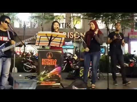 Humko Humise Chura Lo (Mohabbatein )-Nurul & Effa feat retmelo buskers,mantap hindi