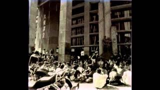 1980年11月6日、早稲田大学前夜祭で行われたものらしい。 古いテープか...