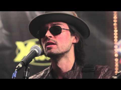 """Hugo """"Mekong RIver Delta"""" Acoustic"""
