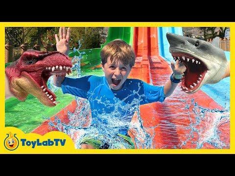 Jurassic Park Dinosaur Toys & Water Fun! Kids Outdoor Activities with Surprise Toy Dinosaurs