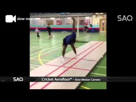 Bowling Practice on the 10m Cricket Aerofloor with Trainer Steffan Jones