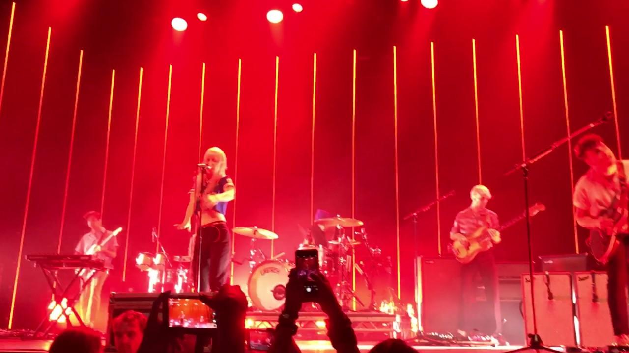 Told you so Paramore | 25-06-2017 Tilburg - YouTube Paramore Tilburg