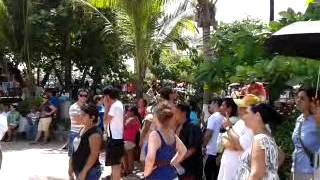 IFE EJERCIENDO EL FRAUDE EN PLAYA DEL CARMEN!!!
