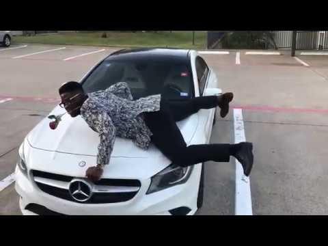 Watch Dr craze doing the one corner dance
