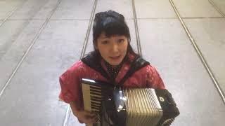 作詞作曲…松たか子 主人公てんちゃんの着物がいつも可愛いくて、真似し...