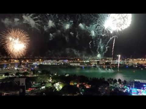2017 Miami Fireworks Receiving the new year Pitbull Revolution Concert