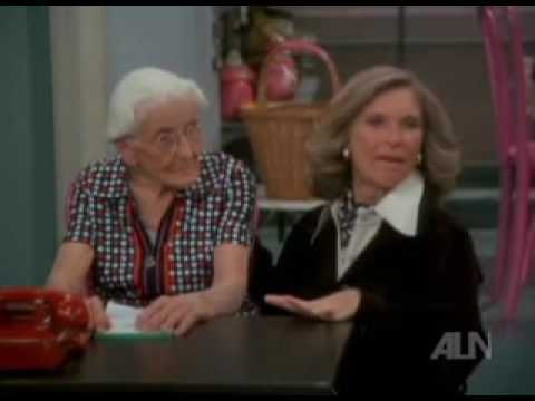 Phyllis S1E17 Honor Thy Mother Dexter