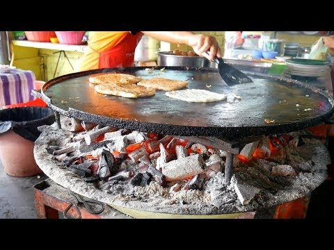 Amazing MALAYSIAN BREAKFAST- ROTI cooked over CHARCOAL, MELAKA | Food and Travel Channel | Malaysia