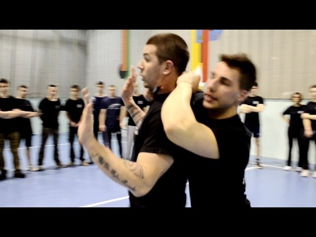 KRAV MAGA TRAINING • Hostage! Knife from rear disarming