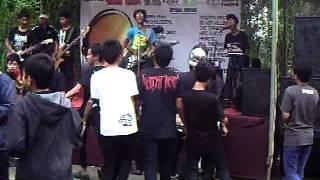 "SCHOOL STORY - ""Bernyanyi dan Menari"" live @Megamendung"