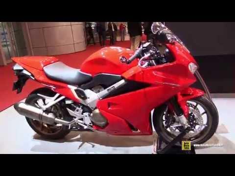 2016 Honda VFR800F ABS - Walkaround - 2015 Salon de la Moto Paris