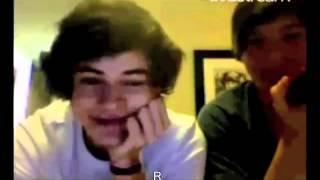 Harry Styles y Louis Tomlinson haciendo bromas por teléfono - subtítulos.